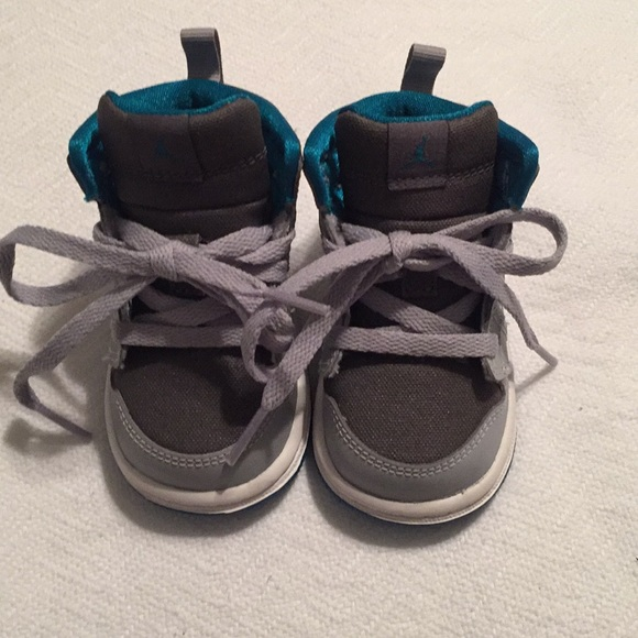Jordan Shoes | S Retro 1 Size 4
